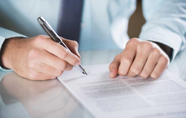 Los Angeles business contract attorney: Simantob Law Group serving your business contract needs: business-attorney.com